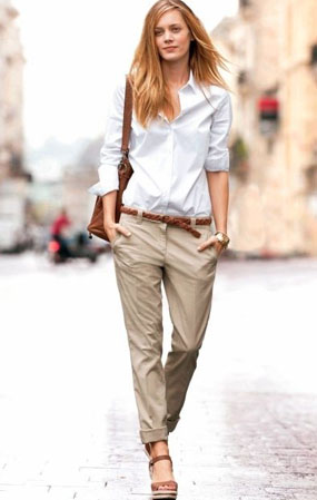 White shirt + tan wedges<br> = sexy